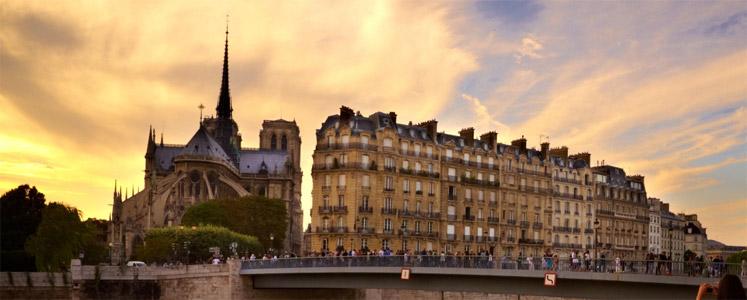 Descrizione di Parigi dal punto di vista del viaggiatore curioso e attento.