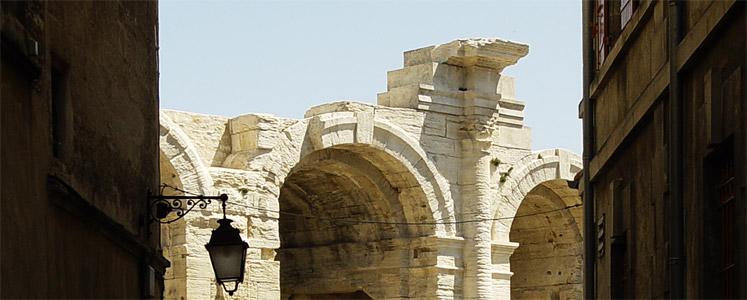 Corrida, vestigia romane e romaniche: Arles è una delle città inserito a pieno titolo nel Patrimonio mondiale dell'umanità