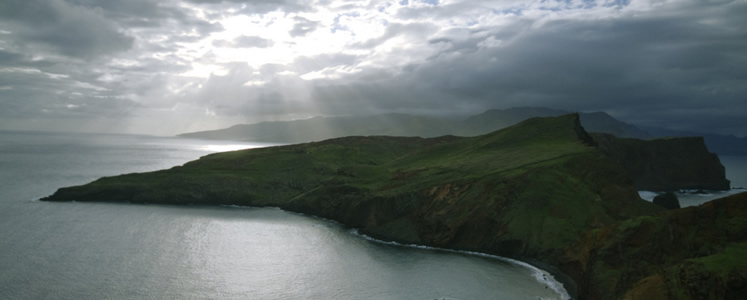 Maderia: piccolo arcipelago portoghese tra le Isole Canarie e le Azzorre al largo dell'Oceano Atlantico.